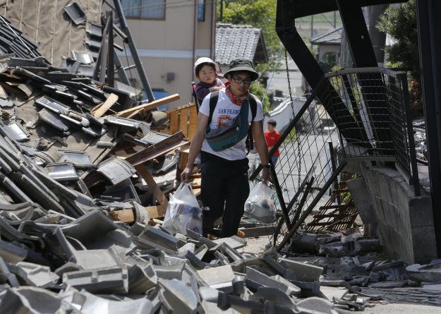 Strong earthquakes hit southwestern Japan