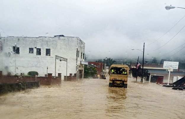 Army Reserve's 811th Ordnance Company Assists Rainelle, WV during Flooding